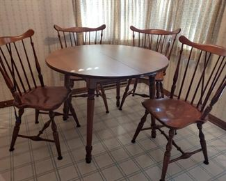 TELL CITY DINETTE WITH 4 CHAIRS & 2 LEAVES
