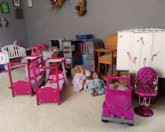 Lots of American Girl Doll items!