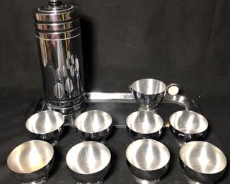 VINTAGE CHASE USA STAINLESS COCKTAIL SHAKER, 8 CUPS, & A TRAY