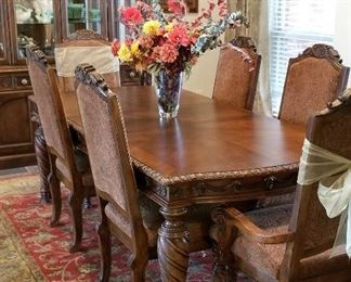 STUNNING Ornate formal dining room suit with lighted china cabinet
