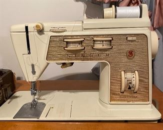 Singer Touch & Sew 750