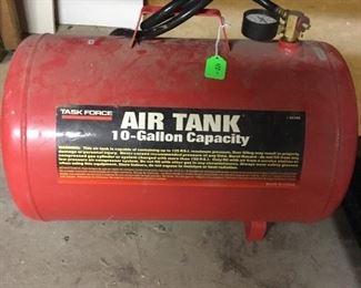 Compressed air tank