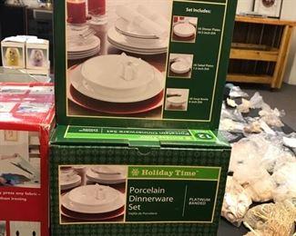holiday dinnerware (new)