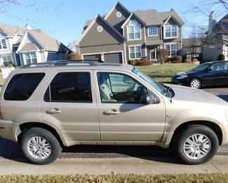 2007 Mercury Mariner V-6  with 163,000 miles