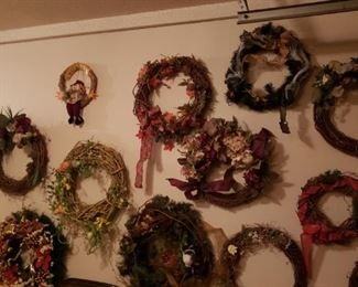 Every style holiday wreaths!