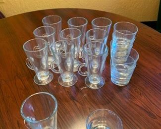 Assorted Glassware https://ctbids.com/#!/description/share/293100