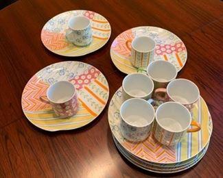 Set of tea and dessert dishes https://ctbids.com/#!/description/share/293118