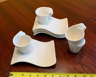 Set of Villeroy Boch dessert cups and plates https://ctbids.com/#!/description/share/293083