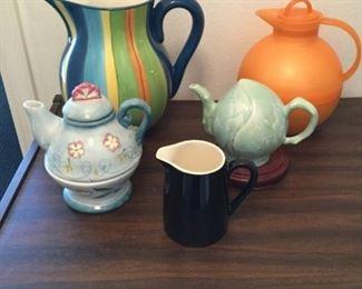 Pitchers and Tea Pots https://ctbids.com/#!/description/share/294842