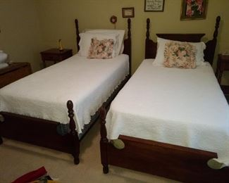 Great pair of twin beds!!  Both are in great condition!