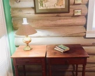 Hand-Crafted Nightstands & Lamp https://ctbids.com/#!/description/share/297921