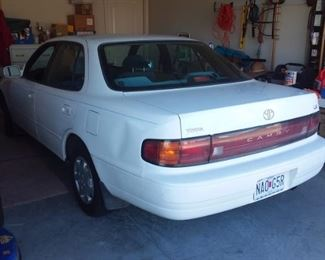 1992 Toyota Camry LE.