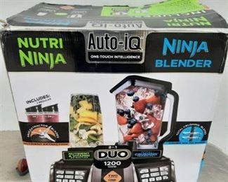 Nutri ninja/ninja blender 2 in 1 duo machine - box is damaged