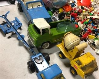 Old truck toys metal
