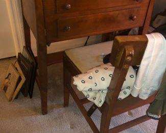 white sewing machine vintage