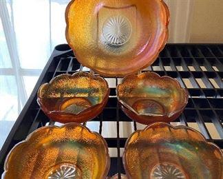 Carnival glass berry bowl se