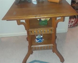 Square side table with two level base