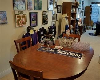 poker table w/ 8 chairs