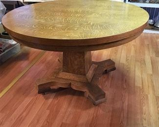 VINTAGE ANTIQUE TIGER OAK TABLE.