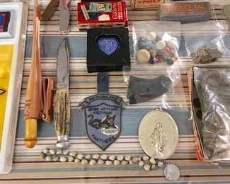 VINTAGE MILITARY PATCH, KNIVES, AND COLT PISTOL HANDLE