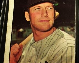 1961 Topps #300 Trading Card- Mickey Mantle