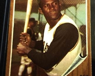 1962 Topps #10 Trading Card- Roberto Clemente