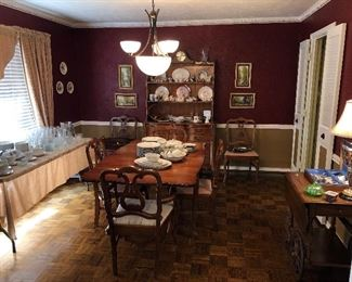 Drop leaf table & 6 chairs. Also matching open hutch.