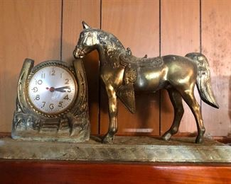 Horse and horseshoe clock nothing weird here at all you need this