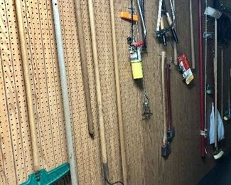 Lots of yard tools in great shape!