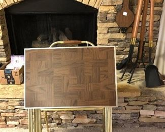 Vintage set of 4 TV trays with faux parquet wood, and storage stand