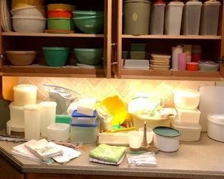 Vintage Tupperware! Lots of hard to find pieces...