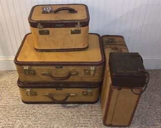 ANTIQUE LUGGAGE