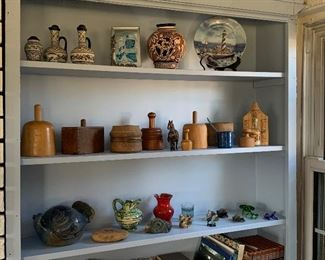 ANTIQUE COUNTRY AND FOLK ART ITEMS