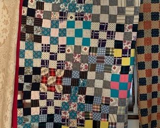 HAND DONE QUILT TAGGED 1986 QUILT PROJECT