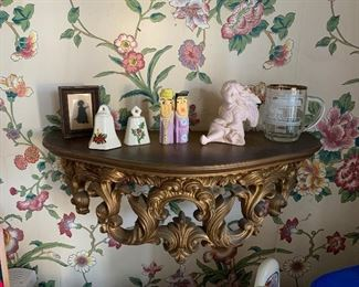 ANTIQUE SHELF WITH SMALL ITEMS