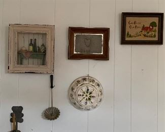 PICTURES AND WALL HANGINGS