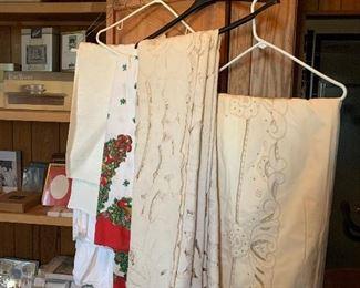 ANTIQUE LINNEN TABLE CLOTHS