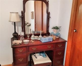 Antique pineapple  dresser-Vanity with mirror and bench
