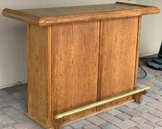Oak Outdoor Bar42x60x31inHxWxD
