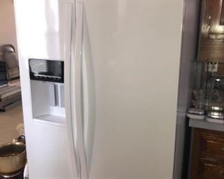 Whirlpool side by side refrigerator (2016)