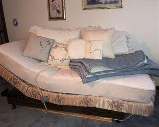 Lift bed