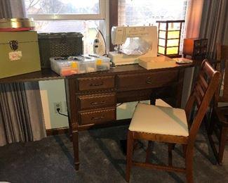 Kenmore sewing machine (like new)