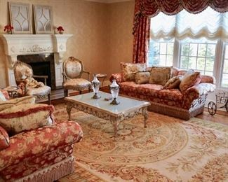 O. Henry House Sofas, Hans knotted rug