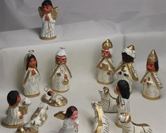 Handmade/Painted Miniature 16 pcs Manger Set (Made in Mexico)