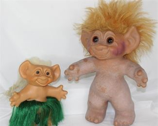 "Thomas Dam Lykke Vintage 1970's Troll: Hawaiian Hulu Dancing Troll (6"") and 9"" Troll without clothes"