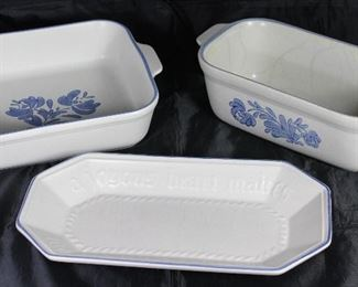 "Pfaltzgraff  ""Yorktowne"" USA 1967:  Square 8"" Baker, Loaf Pan and Bread Tray"