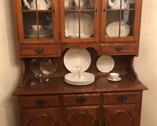 Ethan Allen Maple China Hutch