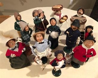 Byer's carolers