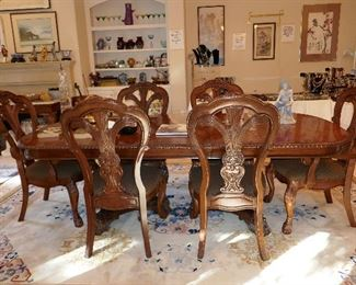 Fine Dining Room Suite (has extra leaf) in great condition (retail approx. $10K)