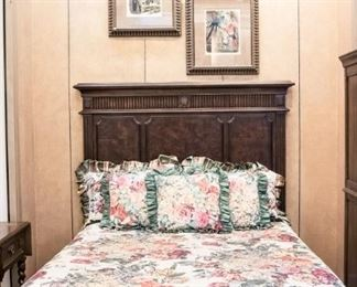 Gorgeous queen bed!